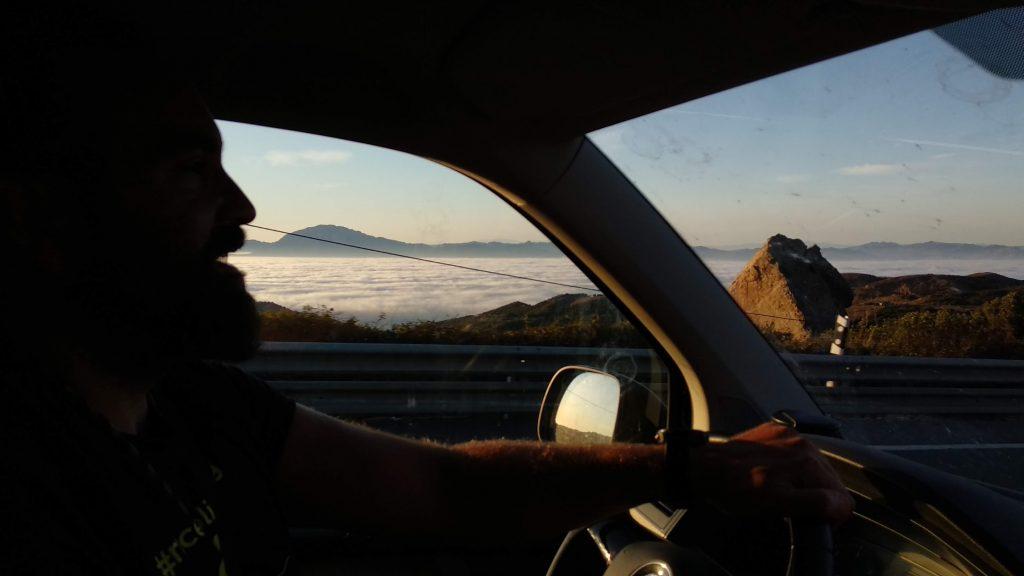 Niebla y nubes en el Estrecho